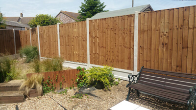 Closeboard Fencing   Chelmsford Fencing and Landscaping