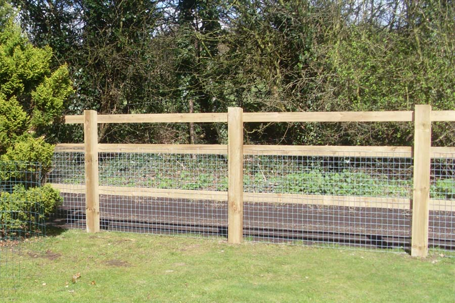 Concreted Sawn Post & Rail | Chelmsford Fencing and Landscaping