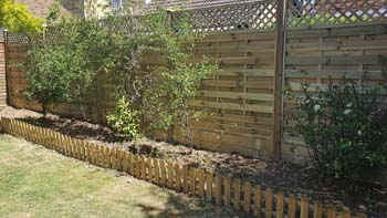 Decorative hit and miss fencing with lattice trellis   Chelmsford Fencing and Landscaping