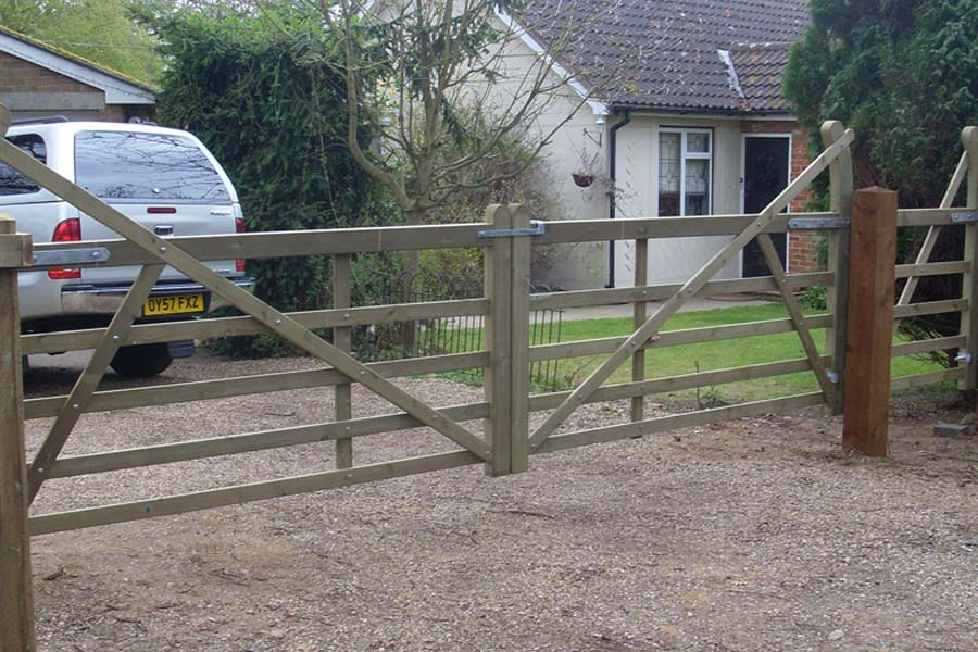 Pedestrian and pair of vehicle access 5 bar field gates | Chelmsford Fencing and Landscaping
