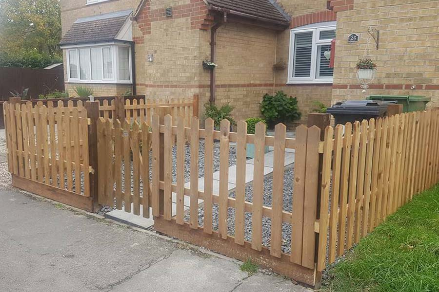 Picket fencing | Chelmsford Fencing and Landscaping